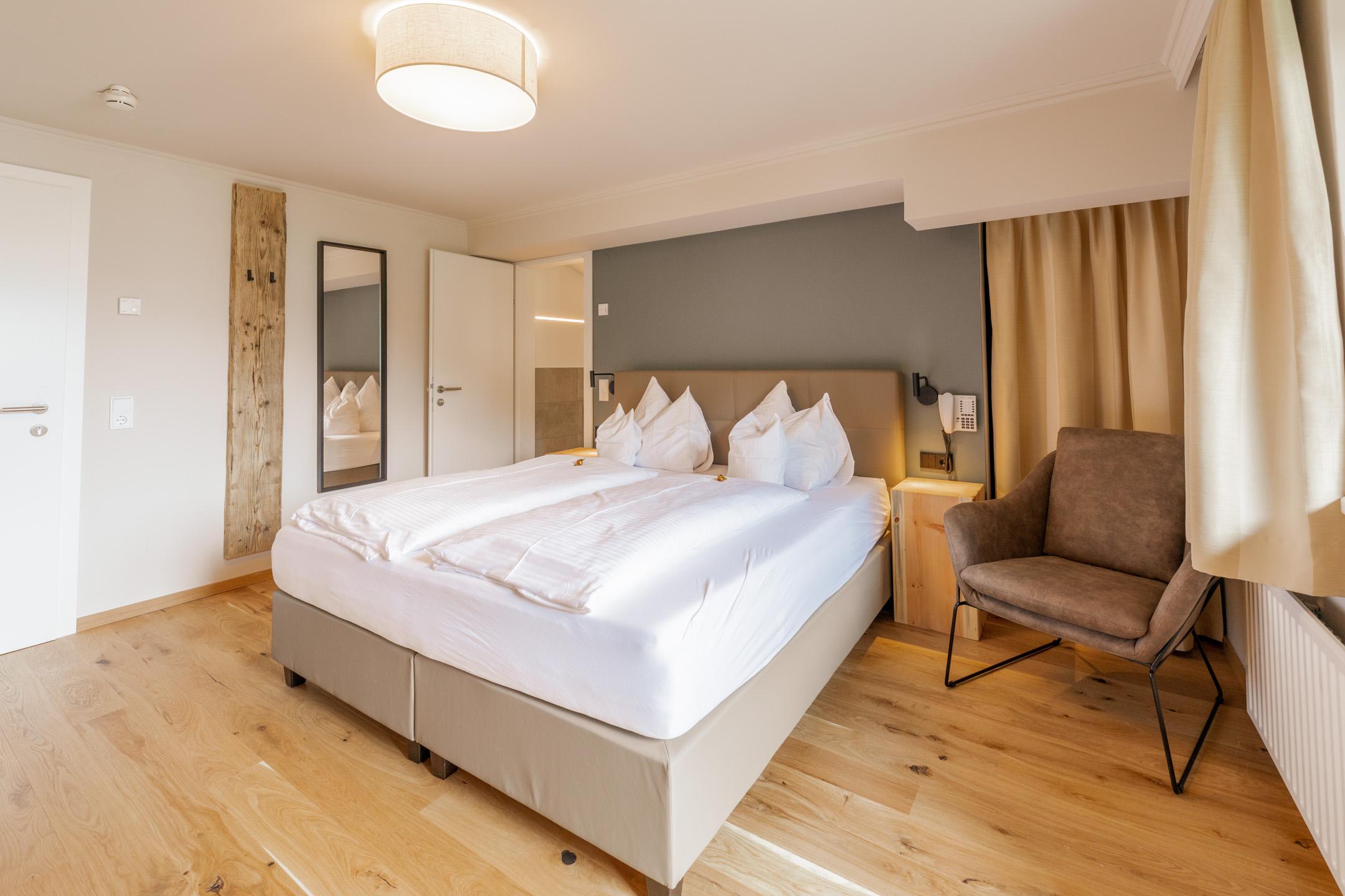 Design Doppelzimmer Weitblicker im neuen Hotel Haus Jausern Saalbach